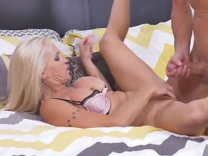 Mature Pussy Porn Videos