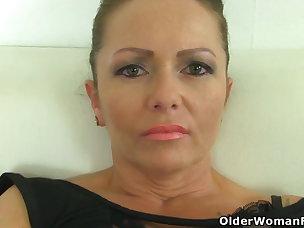 Mature Pussy Porn Videos